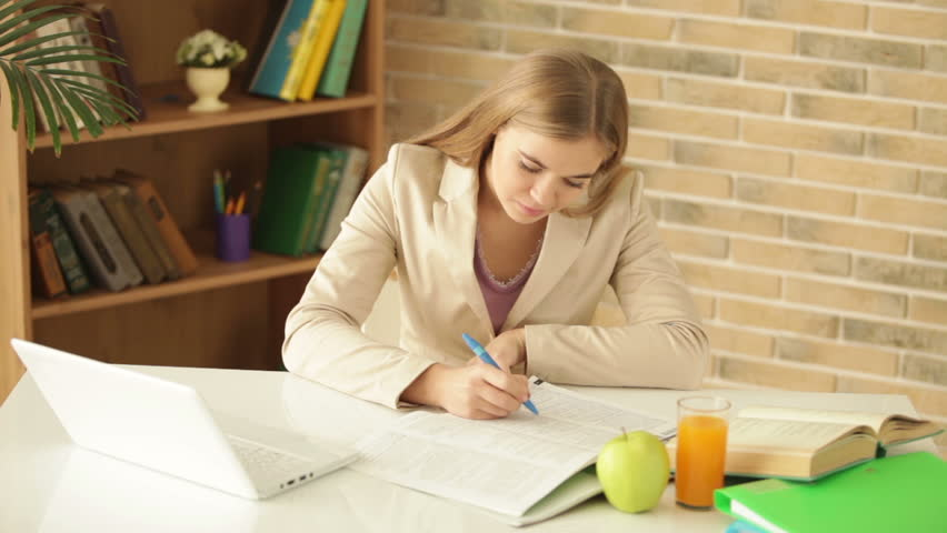 College Paper Writing Service: How to Choose a Reliable One?